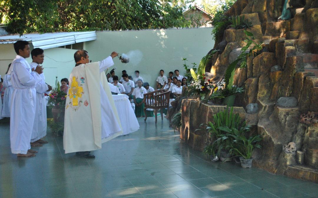 Misa Pemberkatan Gua Maria Kampus Maria Assumpta