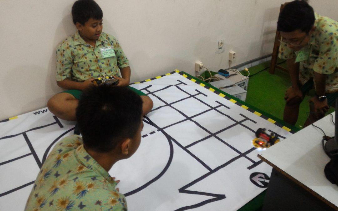 Mengapa SMP Maria Assumpta Membuka Ekstra Robotika
