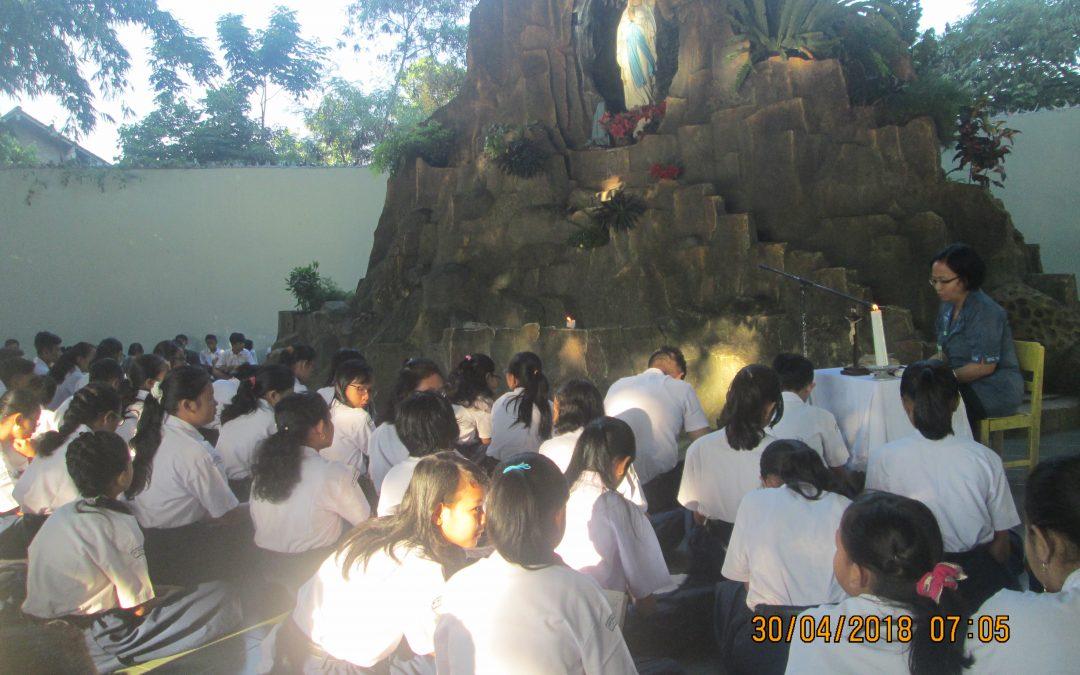 Ibadat Pembukaan Bulan Maria 2018 SMP Maria Assumpta