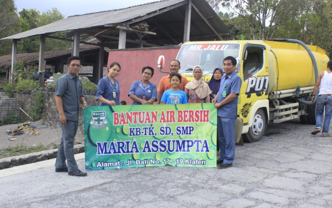 Kampus Maria Assumpta Berbagi Air Bersih