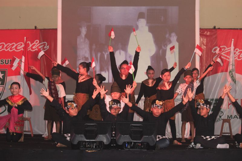 Siapa Kita? INDONESIA!