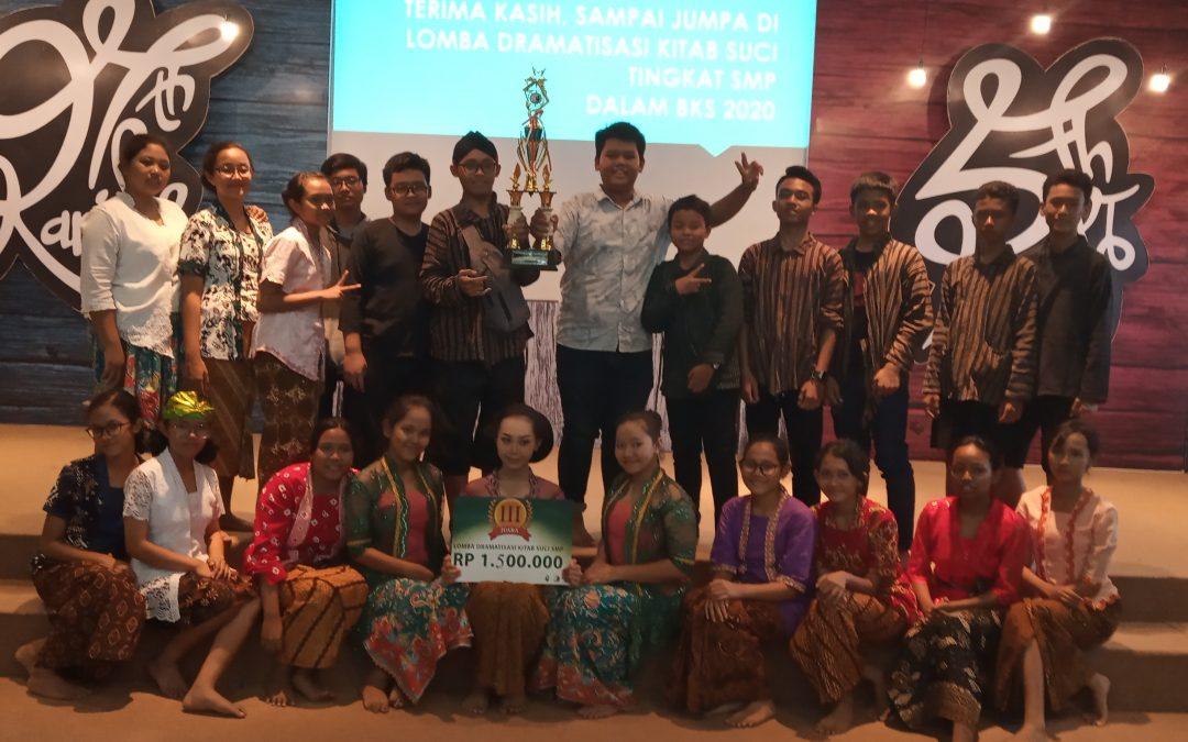 Ekstra Theater SMP Maria Assumpta meraih Juara