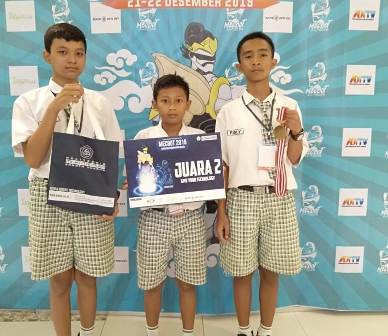 Tim Robotika SMP Maria Assumpta Juara Lomba Robotika se-DIY Jateng
