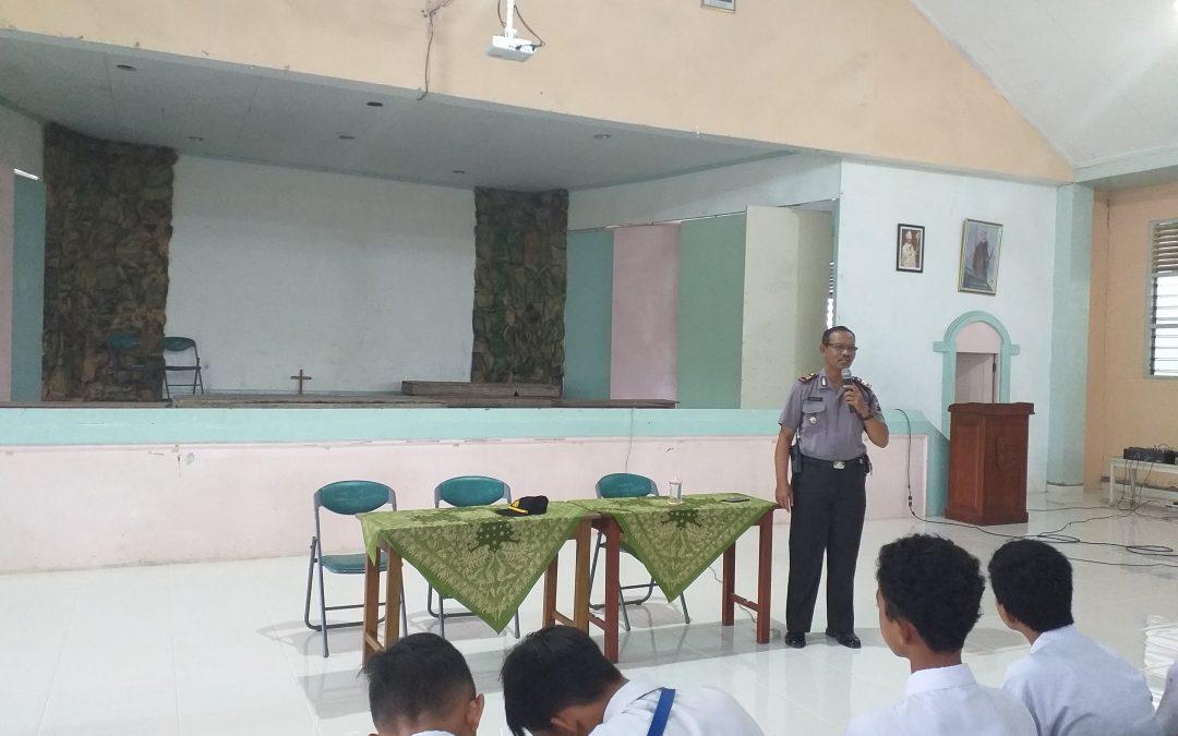Pembinaan Siswa SMP Maria Assumpta oleh Kapolsek Klaten Tengah