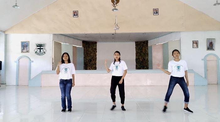 Penampilan Modern Dance di HUT 70 Tahun SMA Regina Pacis Surakarta